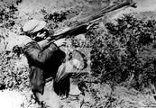 Che en una prueba con el arma M-26