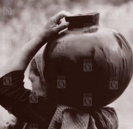 Mujer con olla, 1926.