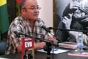 El investigador boliviano Hugo Moldiz, durante la presentación